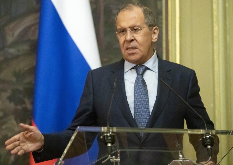 Rusia no espera un avance en decisiones históricas ni cambios fundamentales con EU: canciller
