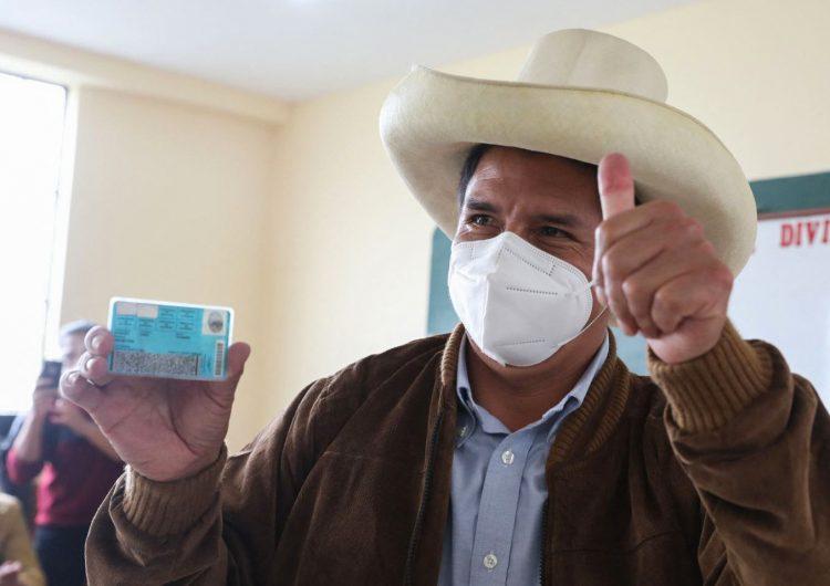 Perú: con el 92 % de las actas contabilizadas, el izquierdista Pedro Castillo aventaja a Keiko Fujimori con el 50.1 de los votos