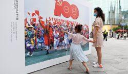 Ciudades chinas se pintan de rojo con lemas que celebran…