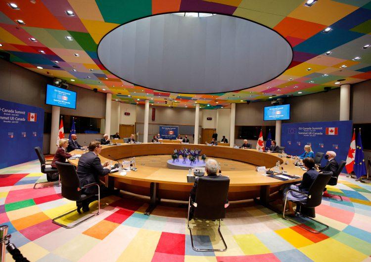 Covid-19: OMS pide 11,000 millones de dosis al G7 para vacunar al 70 % de la población mundial