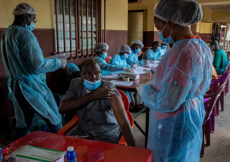 La OMS declara el fin del segundo brote de ébola en Guinea a 5 meses de la reaparición de la enfermedad