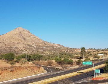 Reclaman ejidatarios de Jesús María derechos por uso de terreno de libramiento carretero