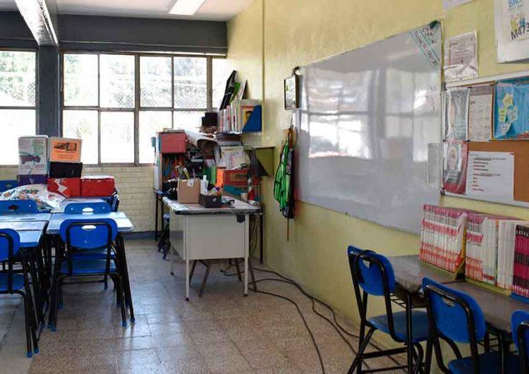 600 escuelas de Puebla beneficiadas con kit contra el Covid