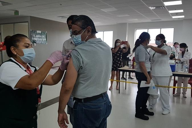Vacunación anti-Covid en empresas de Aguascalientes se replicaría en región bajío