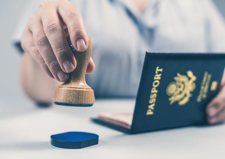 EU crea pasaporte no binario para respetar la diversidad de género