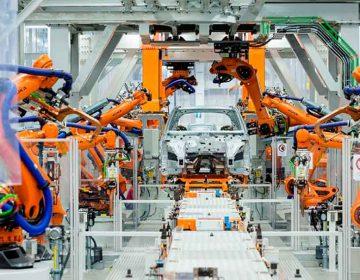 Agregan más días de paro en Audi