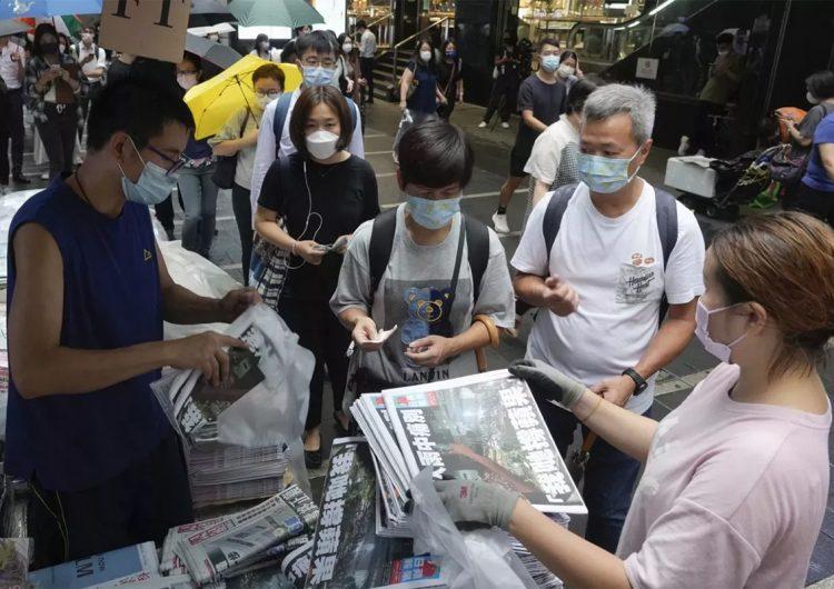 En pocas horas el 'Apple Daily' de Hong Kong vende un millón de copias de su última edición