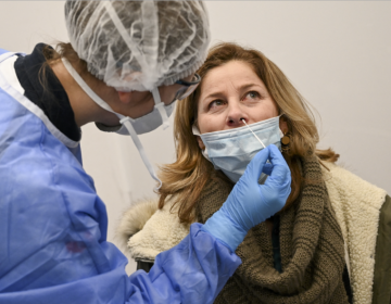 OMS recomienda hacer prueba PCR a vacunados con sospecha de infección por covid-19