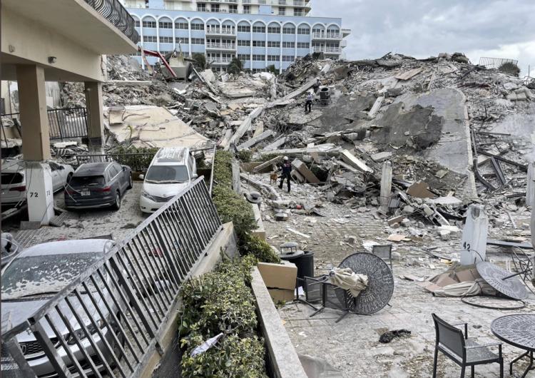 EU: 99 personas permanecen desaparecidas tras colapso de edificio en Florida
