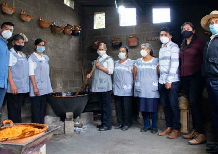 Cocineras poblanas, finalistas del concurso A qué sabe la Patria