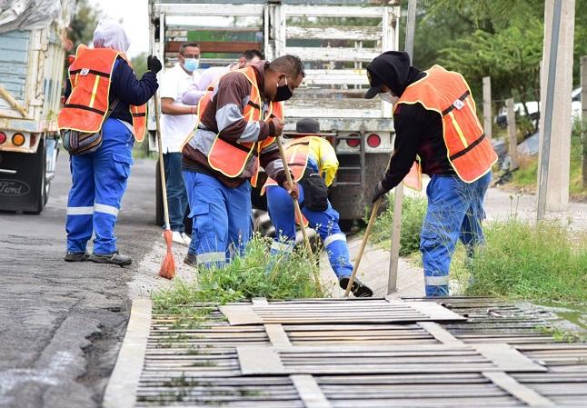 Dan mantenimiento a caimanes y alcantarillas del municipio de Aguascalientes