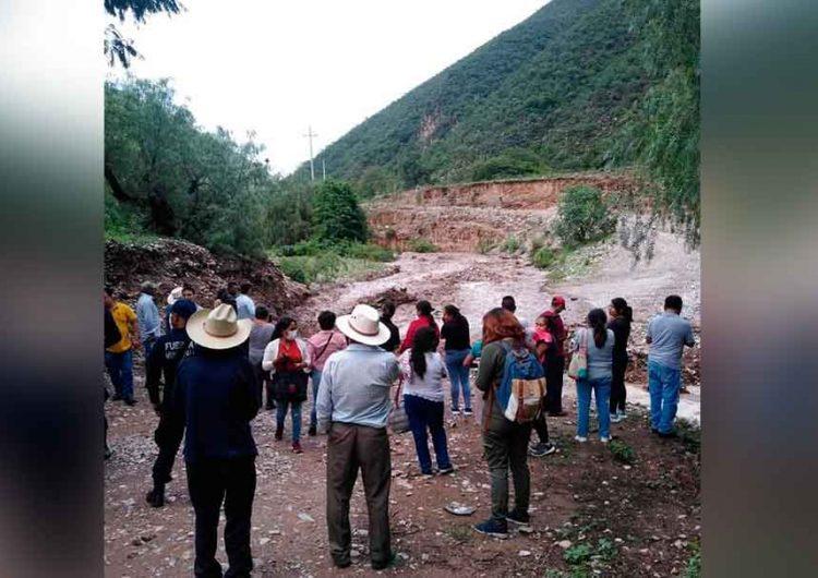 Deslaves en la Sierra Negra de Puebla impidió salida de habitantes
