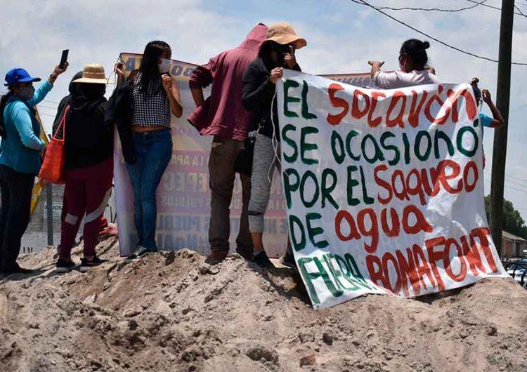 LA OTRA TEORÍA. Las embotelladoras de agua causaron el socavón en Juan C. Bonilla