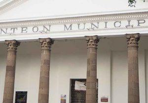 Los panteones municipales reabren a visitantes en Puebla