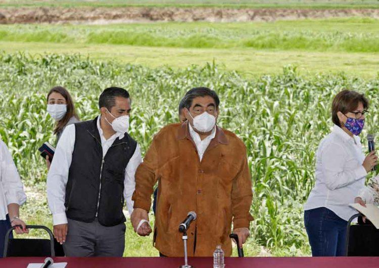 Terreno donde está el socavón no será expropiado, Estado responderá a afectados: Barbosa