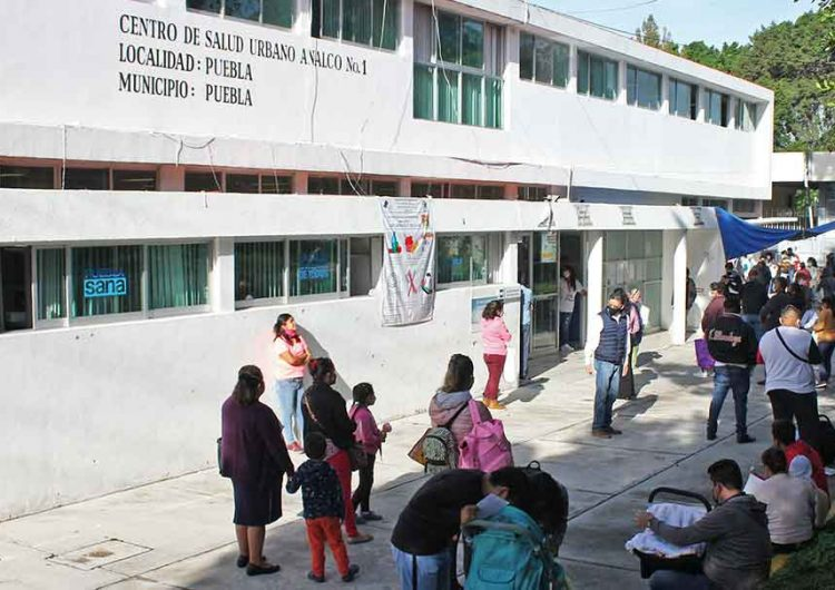 Se cumplirán peticiones pero no suspendan el servicio, clama Barbosa a trabajadores de Salud en Puebla