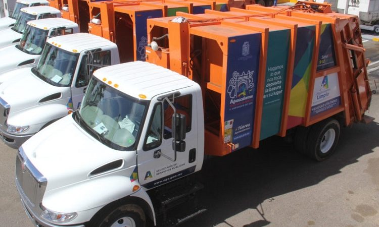 Compra municipio de Aguascalientes 15 camiones recolectores de basura