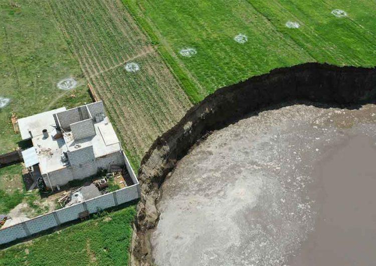 Socavón mantiene su tamaño, 97 metros, ya hay comisión para su estudio