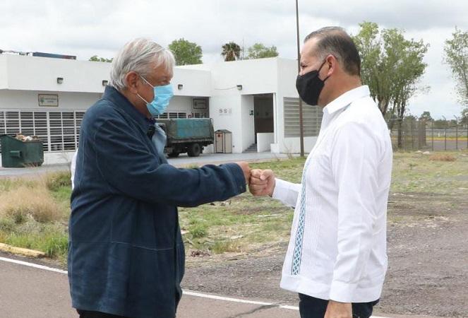 Se reúne MOS con AMLO y lo invita a inauguración del libramiento carretero