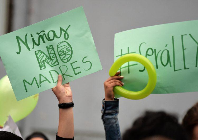 Ecuador: HRW exige al gobierno eliminar sanciones penales en casos de aborto