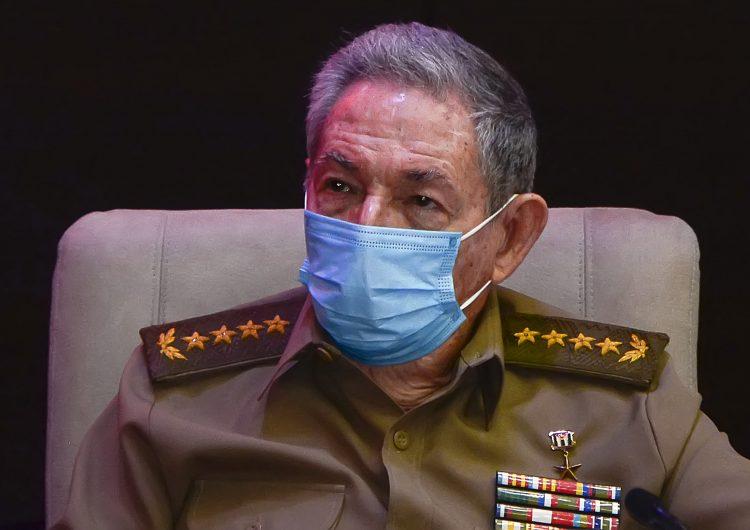 Cuba: Raúl Castro y Díaz-Canel se reúnen para analizar protestas 'con propósitos desestabilizadores'