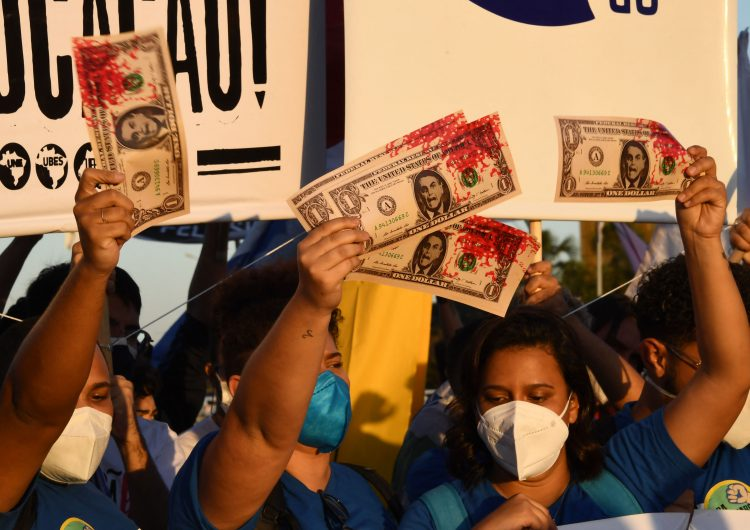 Miles de brasileños protestan en Brasil contra Bolsonaro por irregularidades en la compra de vacunas anticovid