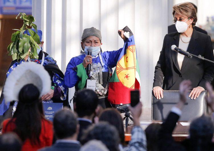 Académica indígena presidirá la Convención Constitucional que redactará Carta Magna de Chile