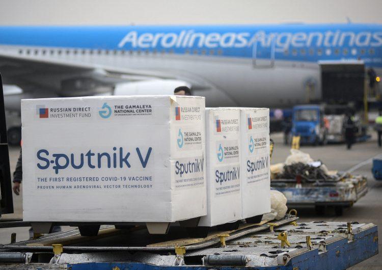 Argentina rebasa los 100,000 muertos por covid-19; Ecuador declara estado de excepción por variante Delta