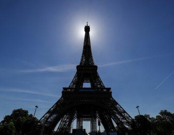 Torre Eiffel reabre luego de más de ocho meses cerrada por la pandemia