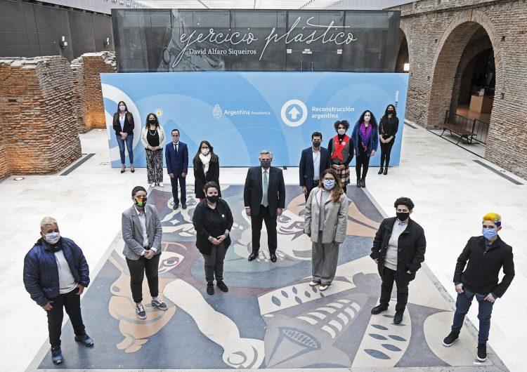 Argentina reconoce los derechos sexuales de las personas no binarias en documento de identidad