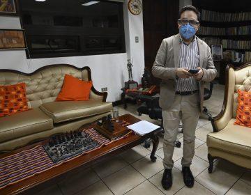 Guatemala: destituyen a fiscal que investigaría al presidente; sale del país para 'resguardar su vida'