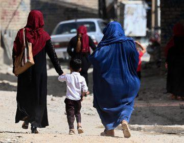 Afganistán anuncia toque de queda tras ofensiva de talibanés