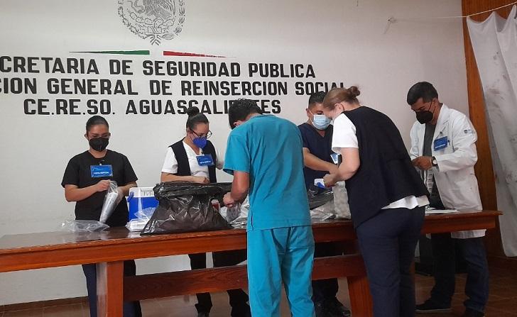 Aplican vacuna Cansino a personas privadas de la libertad mayores de 30 años en Aguascalientes