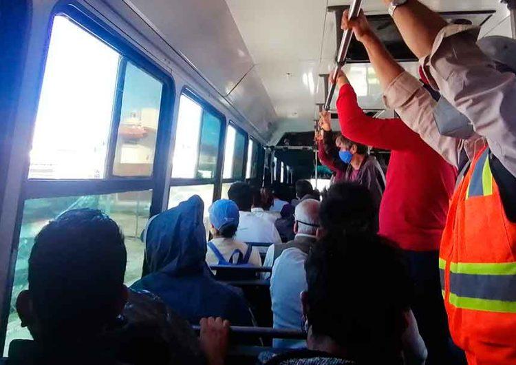 A usuarios y choferes del transporte público de Puebla ya les vale el Covid