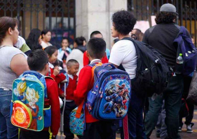 Padres dudan en mandar a sus hijos a la escuela en agosto por llegada de 4 variantes de Covid a Puebla