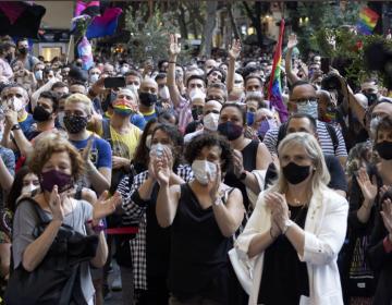 Asesinato a golpes de un joven homosexual desata protestas en España