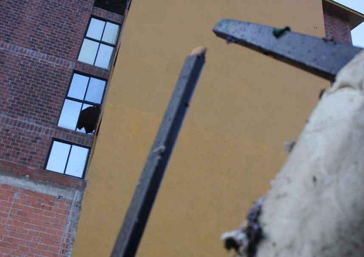Estalla departamento por acumulación de gas en Puebla, habitantes sobreviven