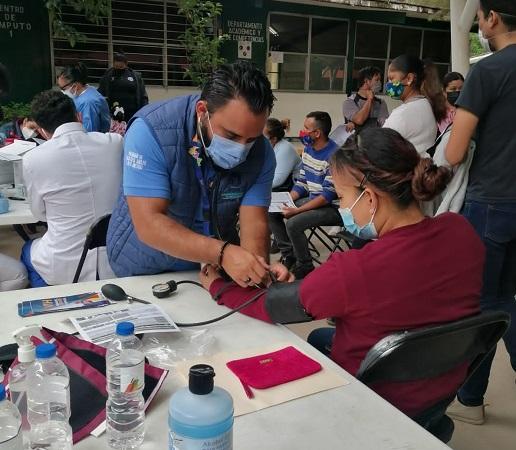 Instala ISSEA módulo de salud en los puntos de vacunación contra el Covid-19