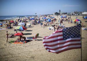 Cientos de jeringas aparecen en costas de Nueva Jersey; cierran playas temporalmente