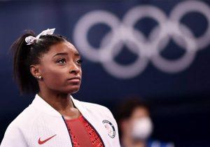 Simone Biles sintió 'todo el peso del mundo' sobre sus hombros antes de retirarse de la Olimpiada