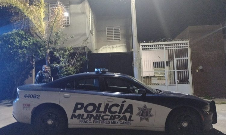 Frustran policías municipales intento de suicidio por consumo de medicamentos en Aguascalientes