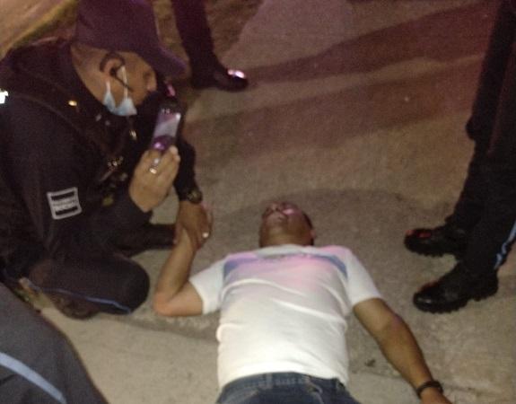 Rescatan policías viales a hombre de 44 años que pretendía quitarse la vida en Aguascalientes