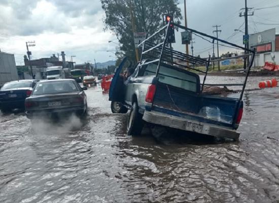 Más de 30 autos se han quedado varados en temporada de lluvias en Aguascalientes: PC