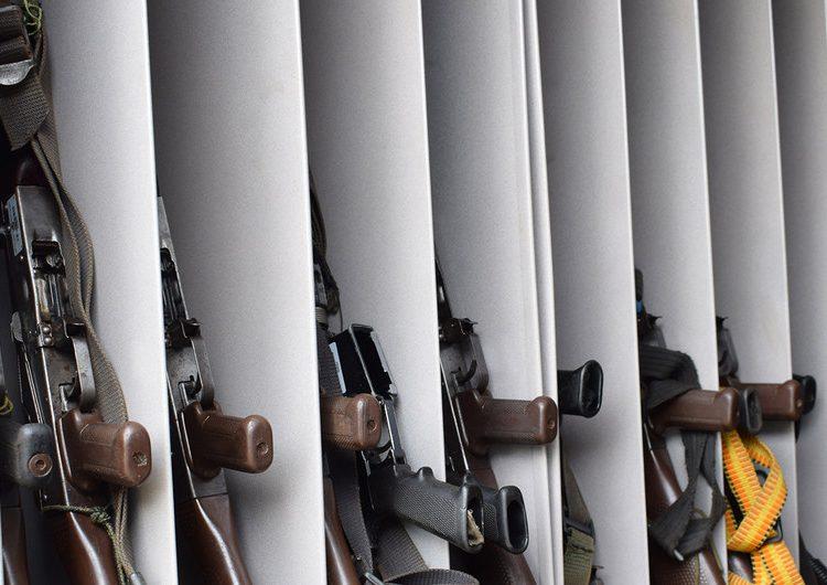 Colombia: tribunal imputa crímenes de guerra a 10 militares por ejecución de 120 personas