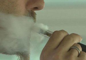 OMS: cigarrillos electrónicos triplican probabilidades de consumo de tabaco en adolescentes