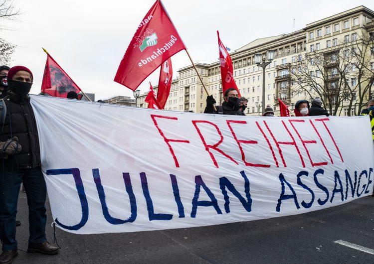 Amnistía Internacional exige a Biden retirar cargos contra Assange a un día de audiencia de extradición