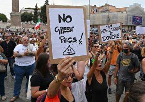 Italia anuncia la obligatoriedad del pase sanitario anticovid para profesores y transporte público