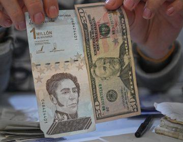 Maduro va por tercera reconversión del bolívar; elimina seis ceros a la moneda