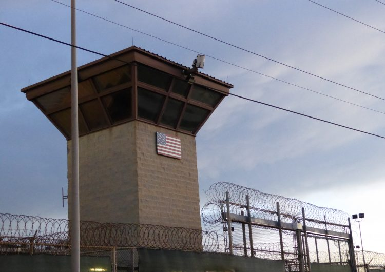 Legisladores piden a Biden cerrar la prisión de Guantánamo; la califican como una 'vergüenza' para los derechos humanos