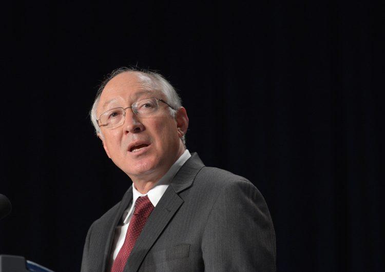 EU: Senado confirma a Ken Salazar como embajador en México